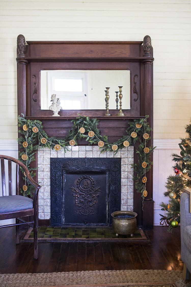 DIY Orange Christmas Garland