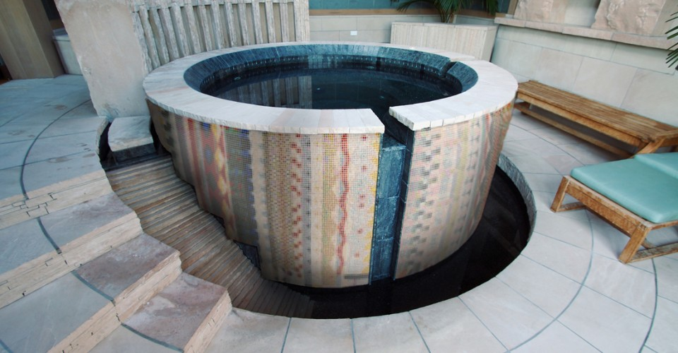 Artaic-Custom-Mosaic-Aztec-Hot-Tub-960x500.jpg