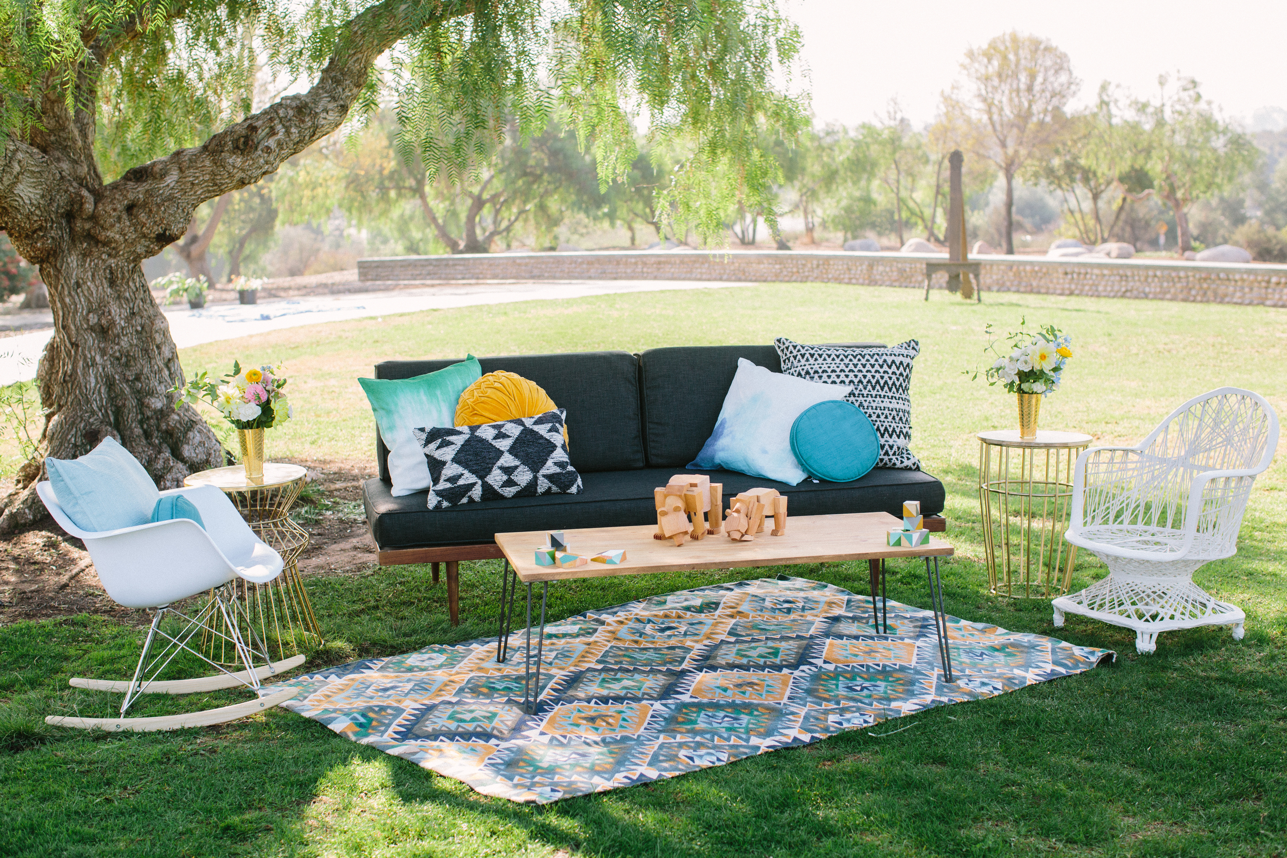 Midcentury outdoor lounge