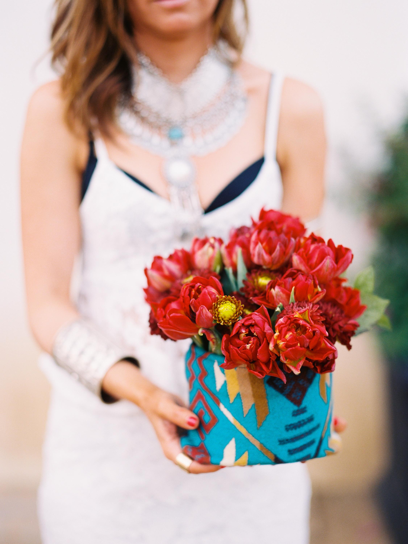 Rais Case flower holder