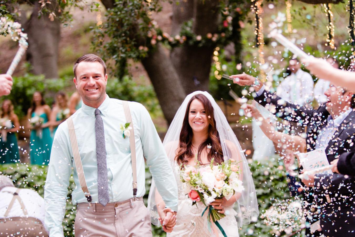 Confetti wedding send off
