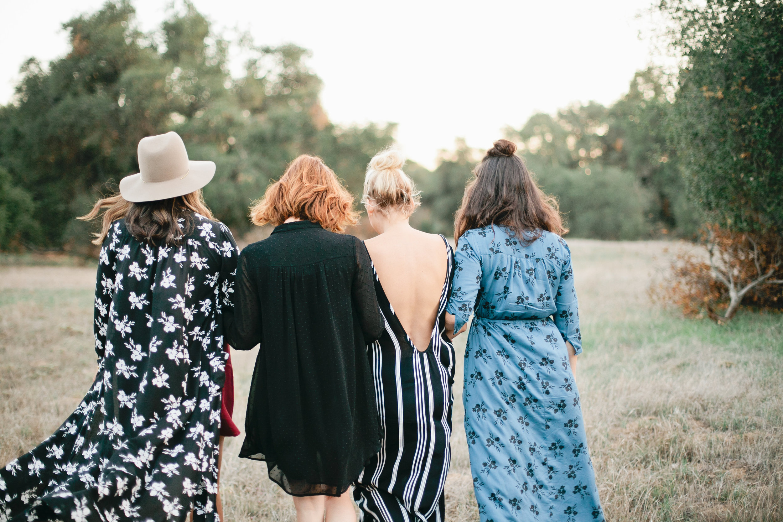 Outdoor Friendsgiving gathering
