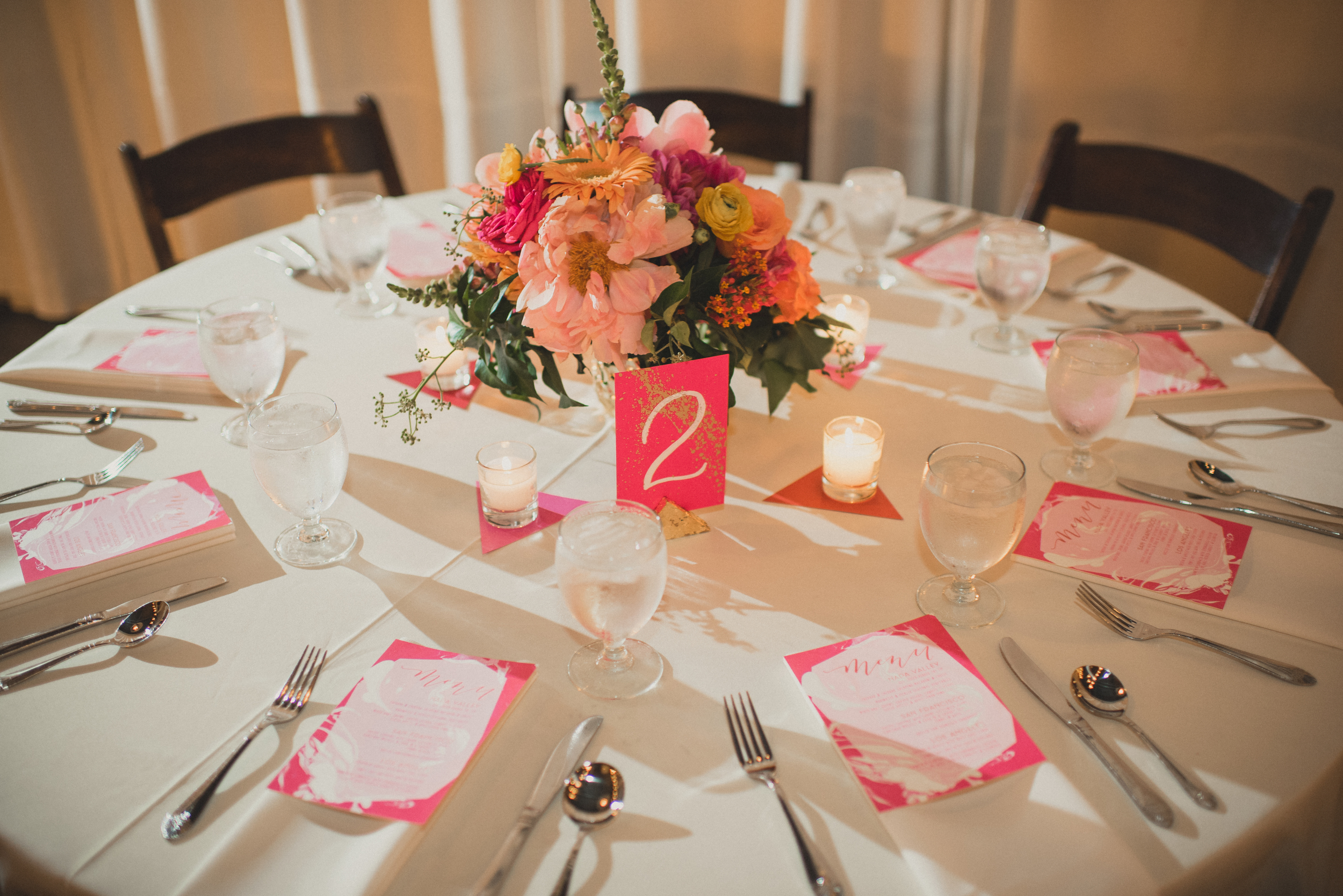 Modern hot pink geometric wedding table