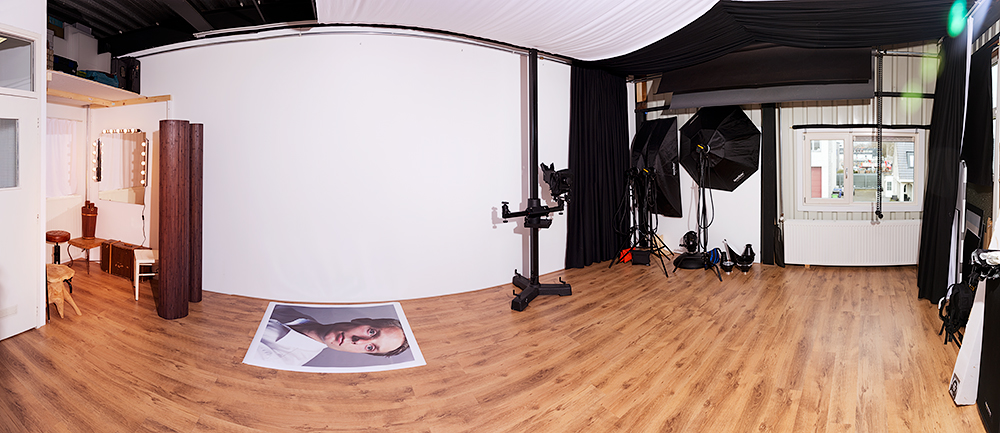 Mijn fotostudio in Delft (ja, dat is een enorme print van 100cm bij 125cm)