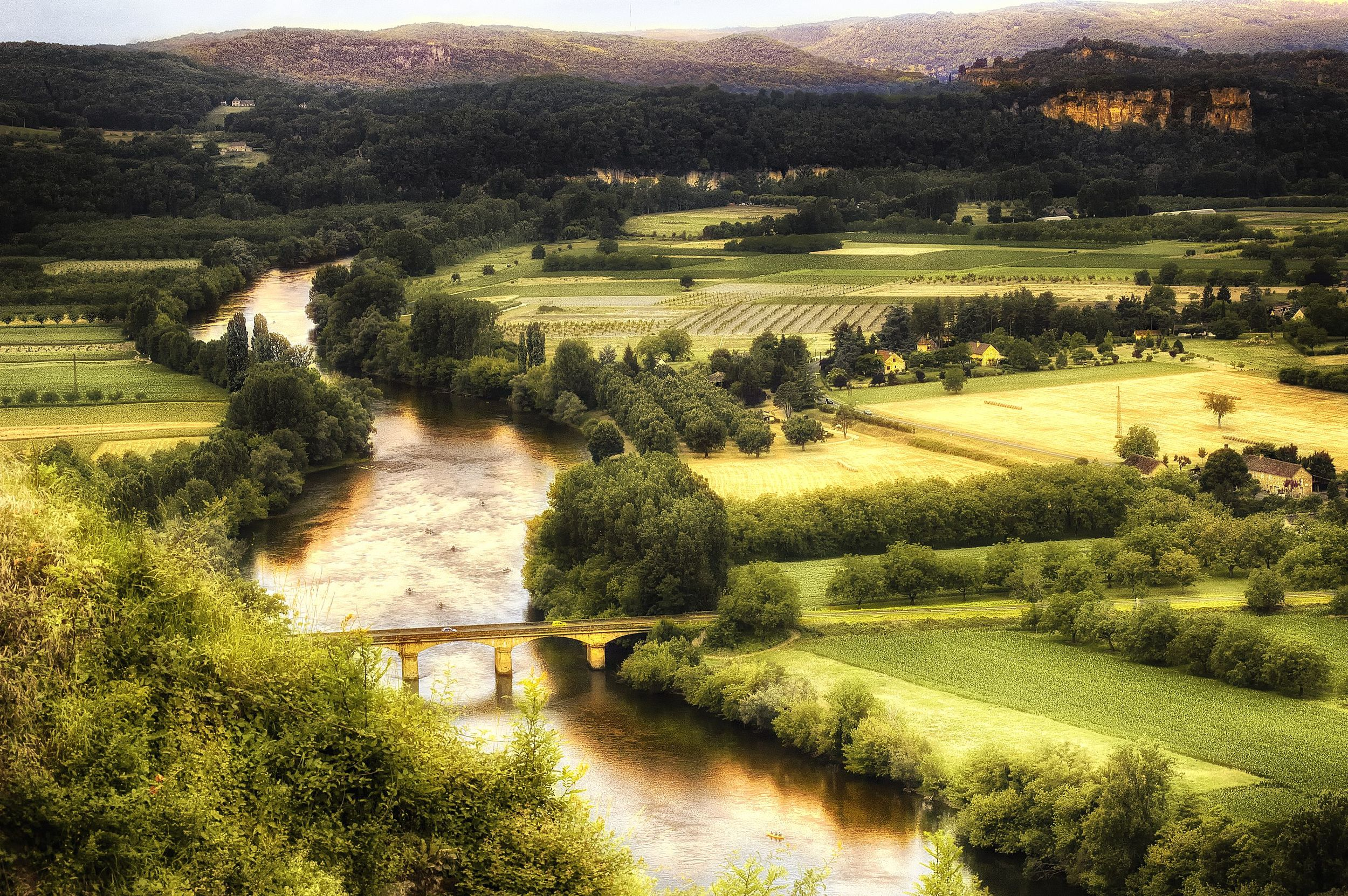 dordogne valley wide enhanced.jpg