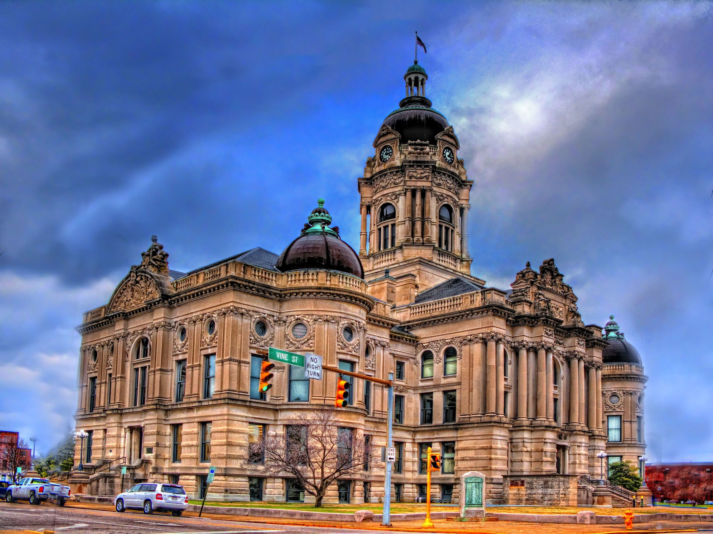 old courthouse.jpg