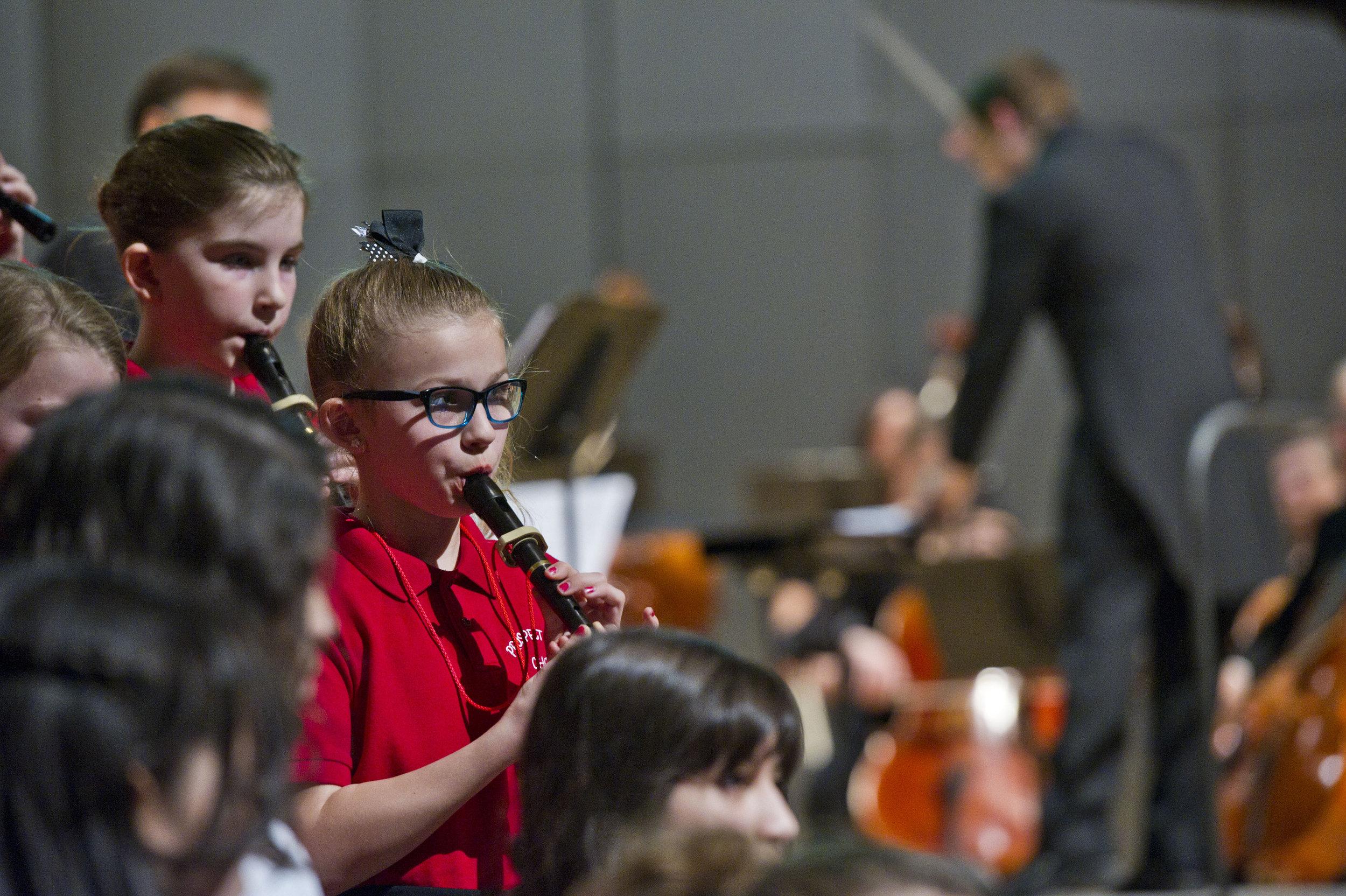 12 1701  Symph-OrchestraSings.GL_0475 e.jpg