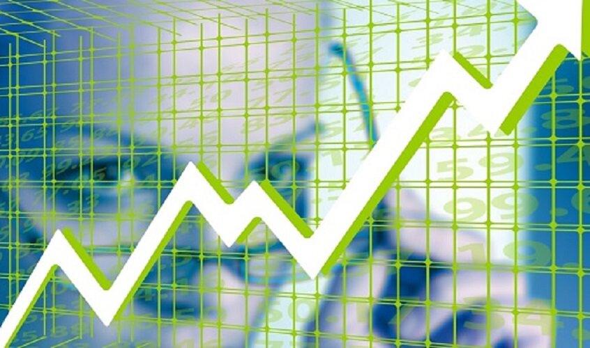 Women invest stocks.500.jpg