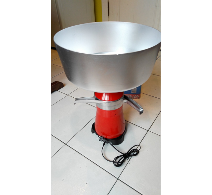 Cream Separator - This Cream Separator is a centrifugal device that separates milk into cream and skimmed milk. Materials used are food grade!