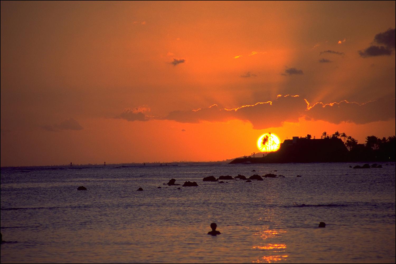 Swimbook_swimsuit_sunrise_59762947B8C84F82