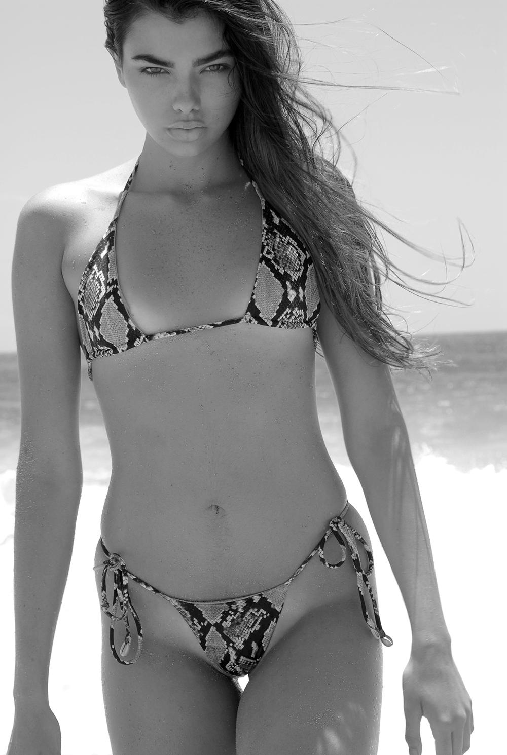 Swimbook_Indah_Clothing_swimsuit_Kaitlyn_Hitsman_DSC_0882.jpg