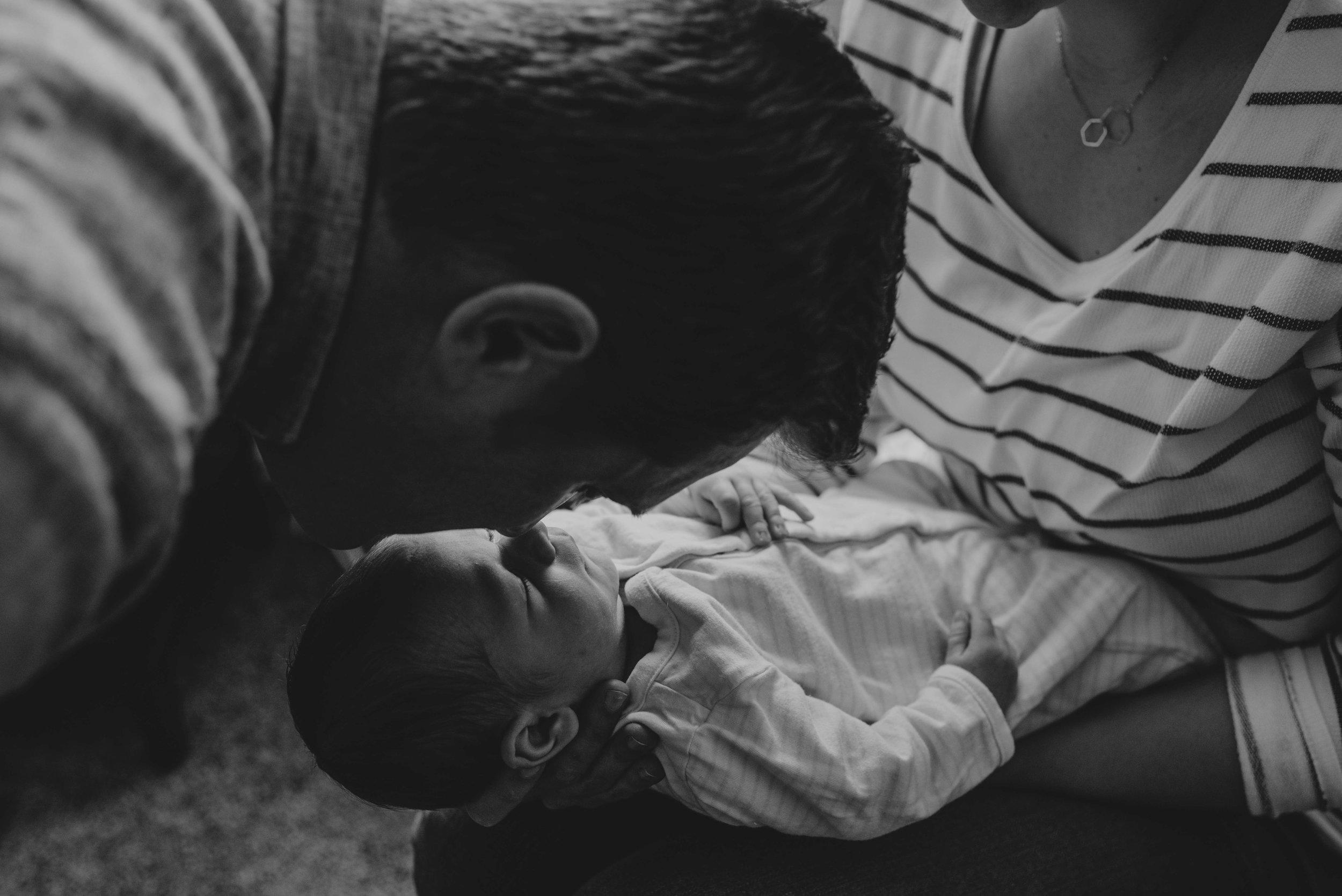 Kristy_Lumsden_Photography_Oscar_Newborn_Lifestyle20170127_0210.jpg