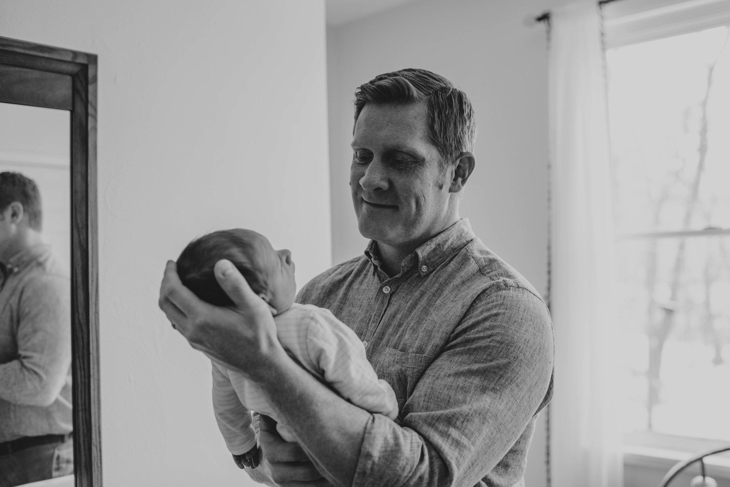 Kristy_Lumsden_Photography_Oscar_Newborn_Lifestyle20170127_0178.jpg