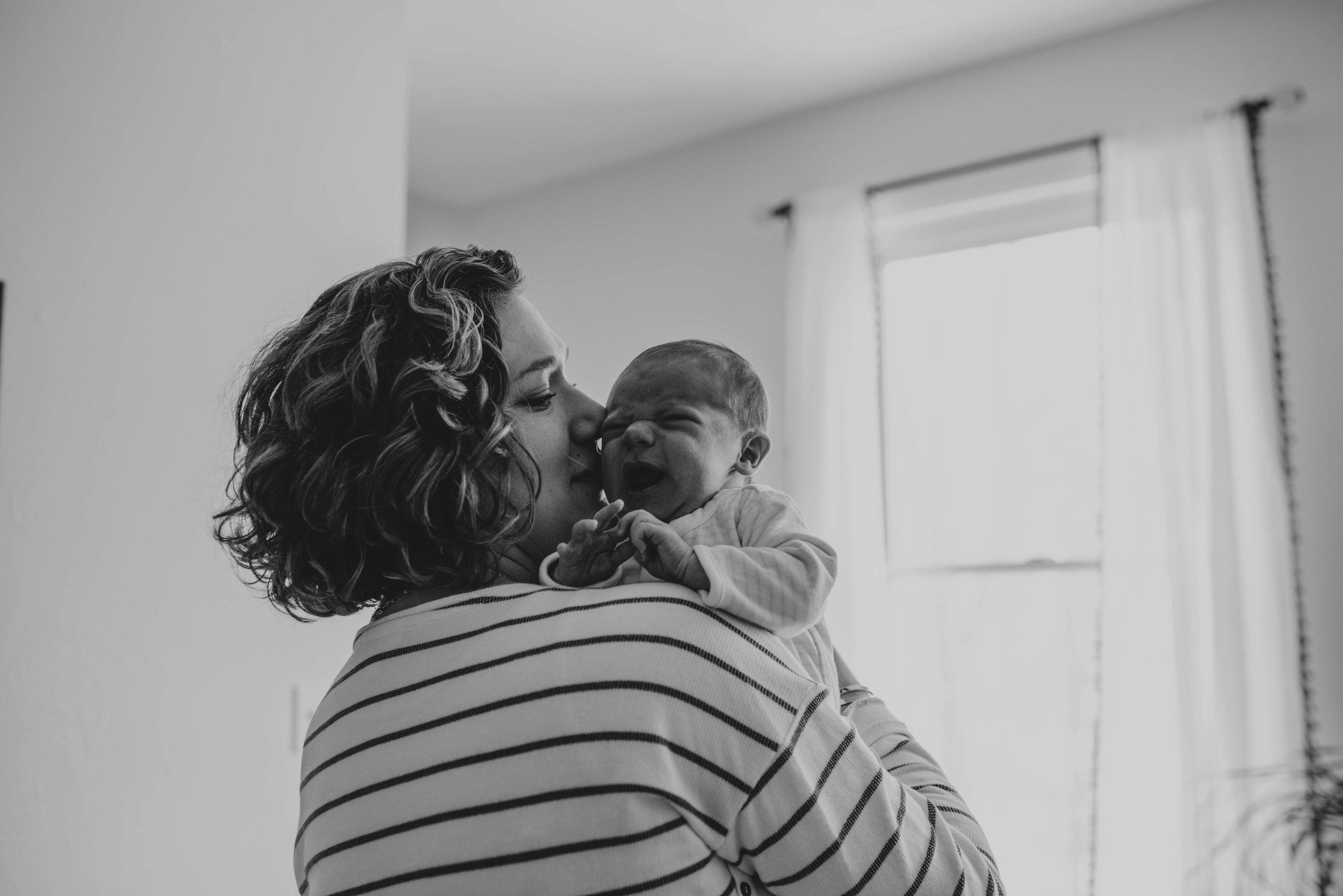 Kristy_Lumsden_Photography_Oscar_Newborn_Lifestyle20170127_0162.jpg