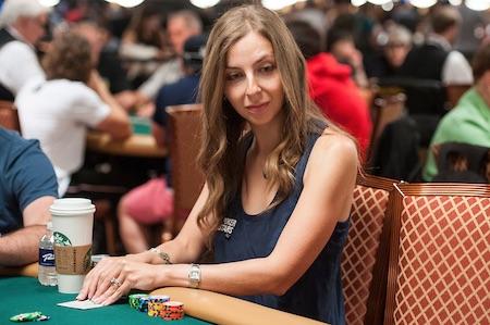 Maria Konnikova_2017 WSOP_EV73_Day 1B_Furman_FUR8511a-thumb-450x299-319828.jpg
