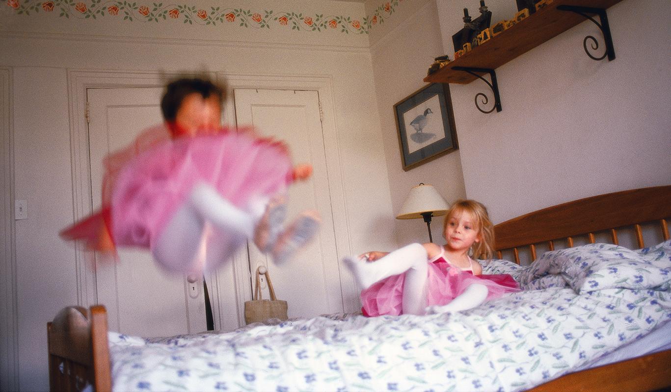 rb_girljumping_fnl.jpg