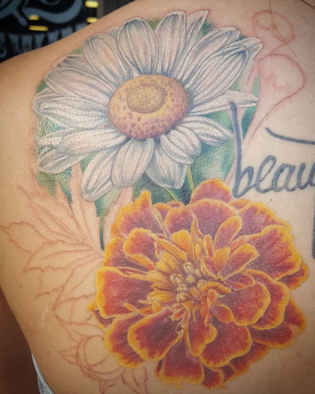 More progress made by Jon, thanks Ingrid.  #sos #sinkorswim #colortattoo #custom #rad #charlotte #northcarolina #art #artist #clt #colortattoo #girlswithtattoos #instagood #instart #art #artist #custom