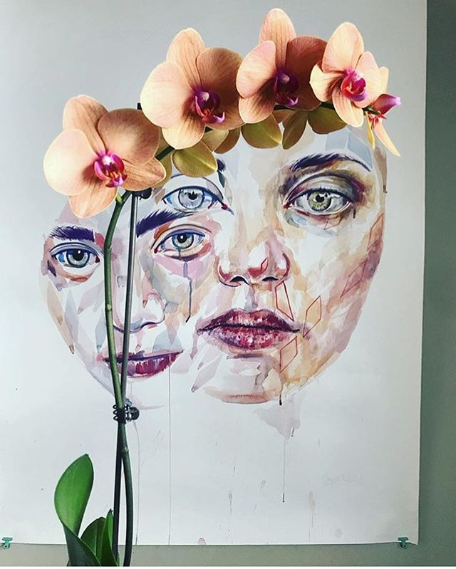 Look at this cool picture my cousin @kttungsten took. The flowers really change the painting!