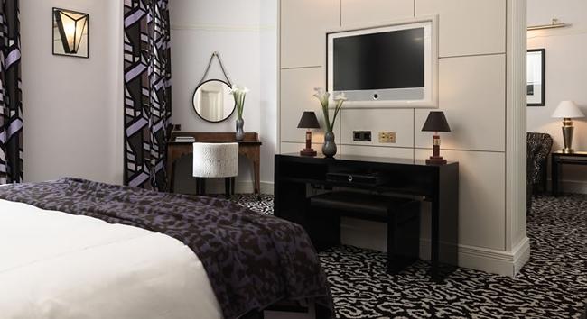 Claridges-Bedroom.jpg