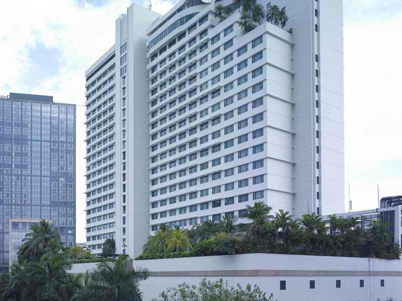 New World Hotel, Makati