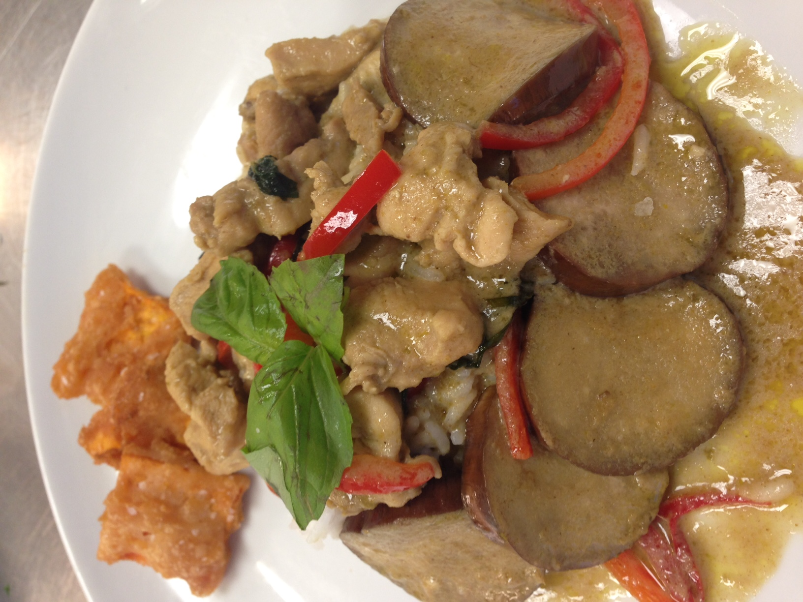 Green curry chicken with jasmine rice and sweet potato chips-Asian Class