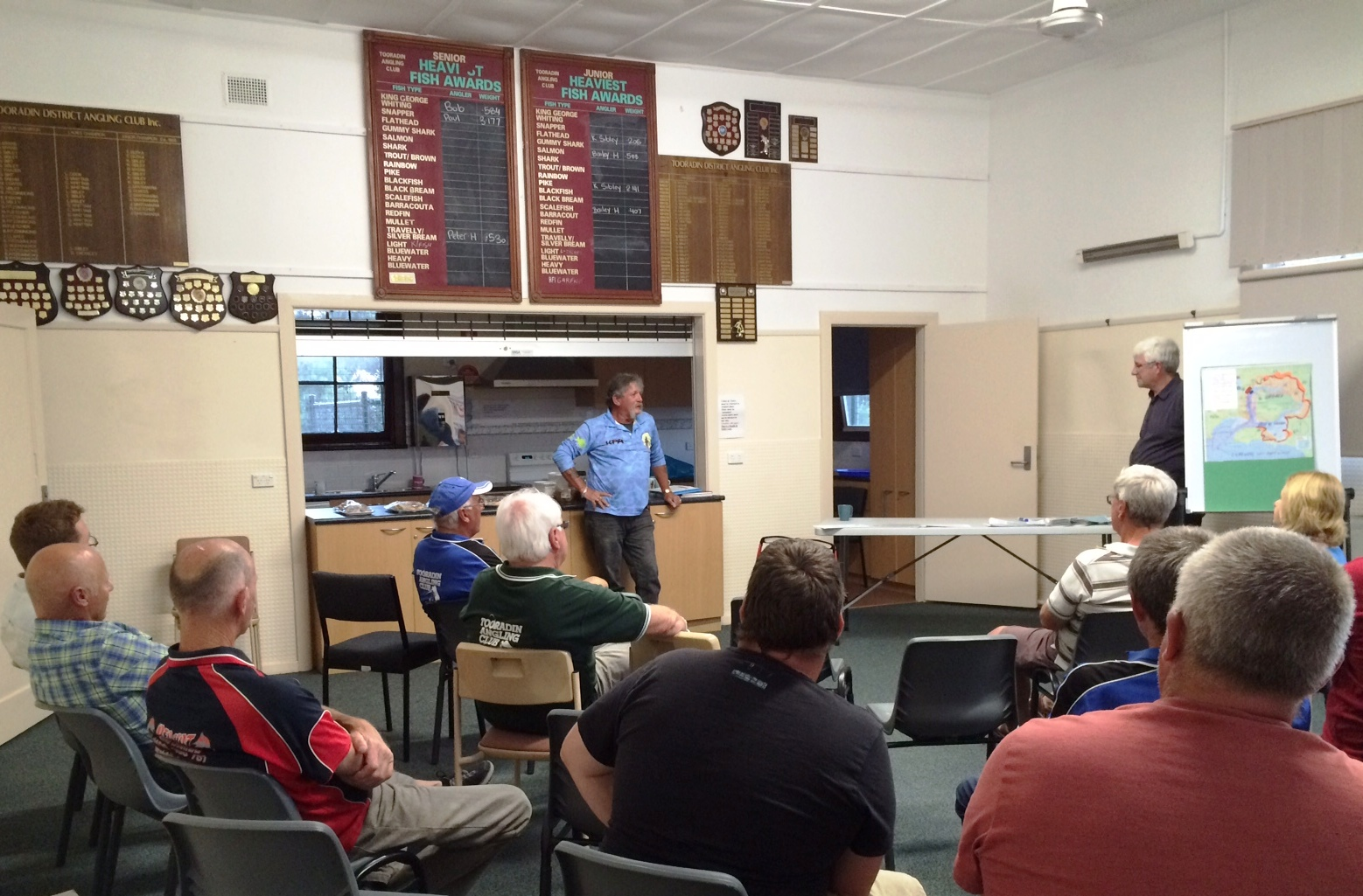 "Speaking to an enthusiastic group at the Tooradin Anglers Club - With Glenn ""The Guru"" Cooper"