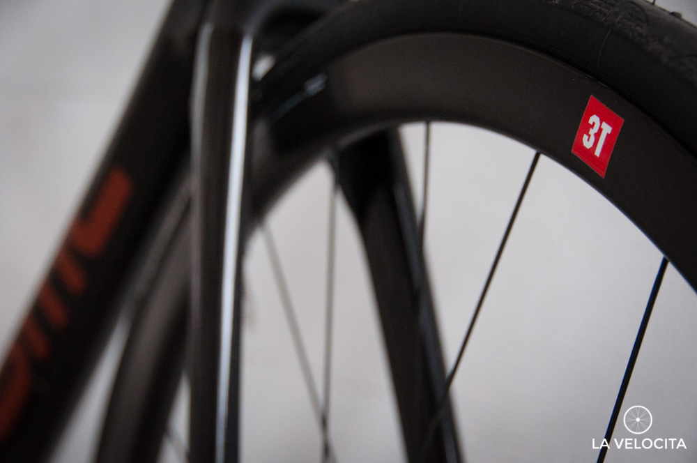 The 3T Discus C35 wheels are excellent all-rounders if a little nervous in the wind.