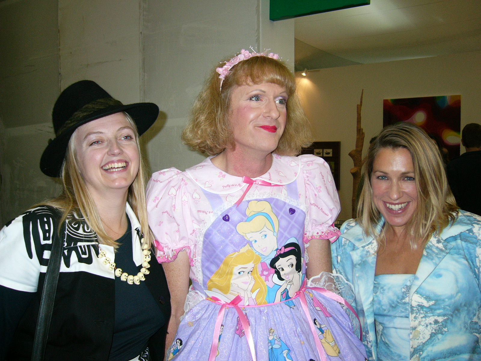 Grayson Perry, Maia Hirst (r), at The Frieze Art Fair, 2004