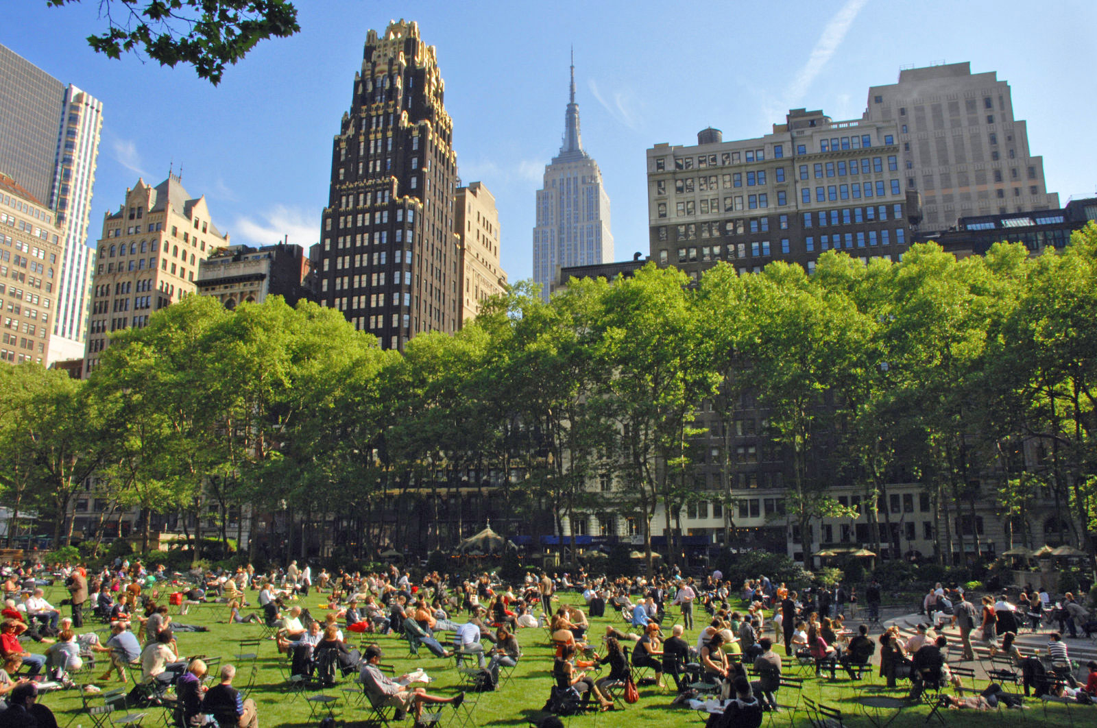 Byrant Park, New York (Image Credit: Travel Digg)