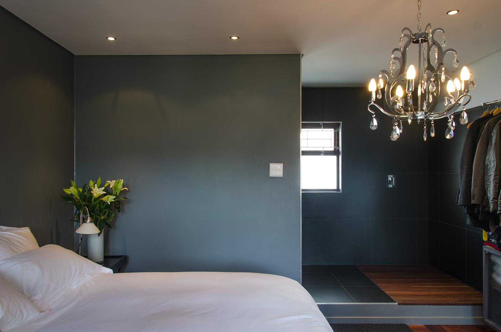 Greenpoint apartment - en suite.jpg