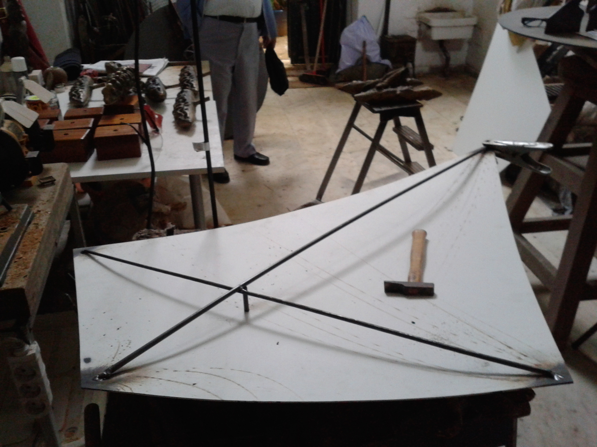 Kites Construction 002.JPG