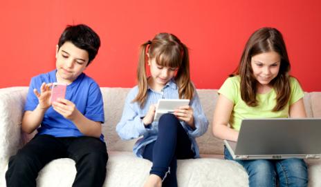 image credit:https://robinsonan14.wordpress.com/2015/01/03/the-disadvantages-of-children-using-technology-today/