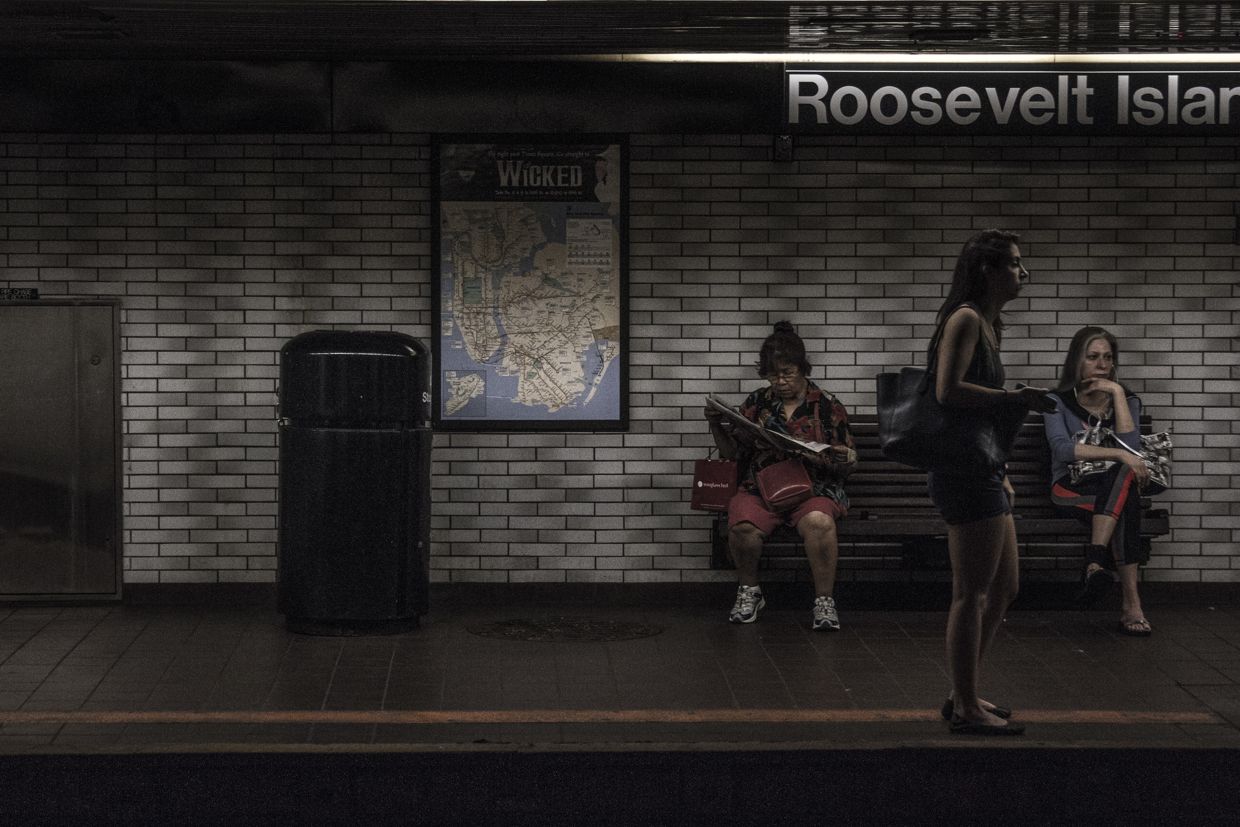 Roosevelt Avenue - F