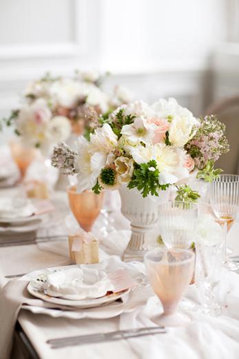 white-peach-blush-centerpiece-wedding-french-soft-feminine