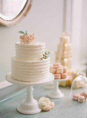 simple-cake-pretty-ruffles-soft-feminine