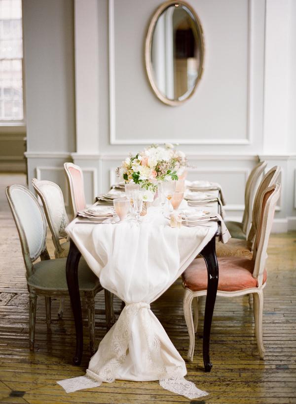 metropolitan-building-wedding-soft-romantic