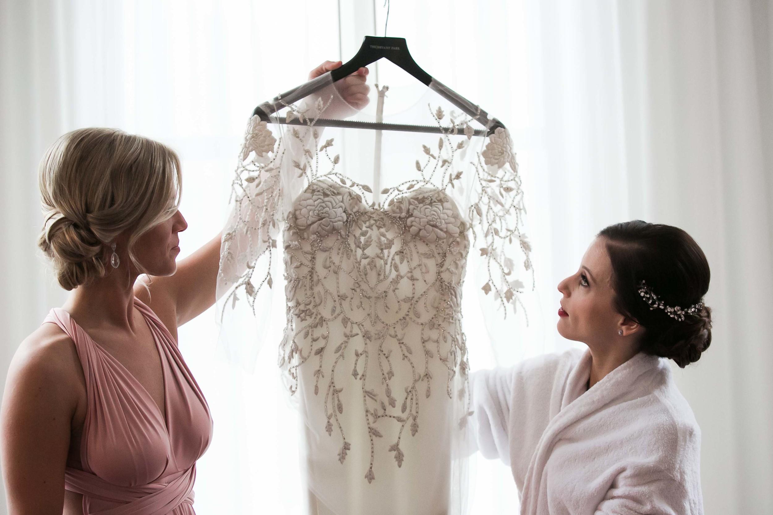 illusion-neckline-wedding-dress-vines