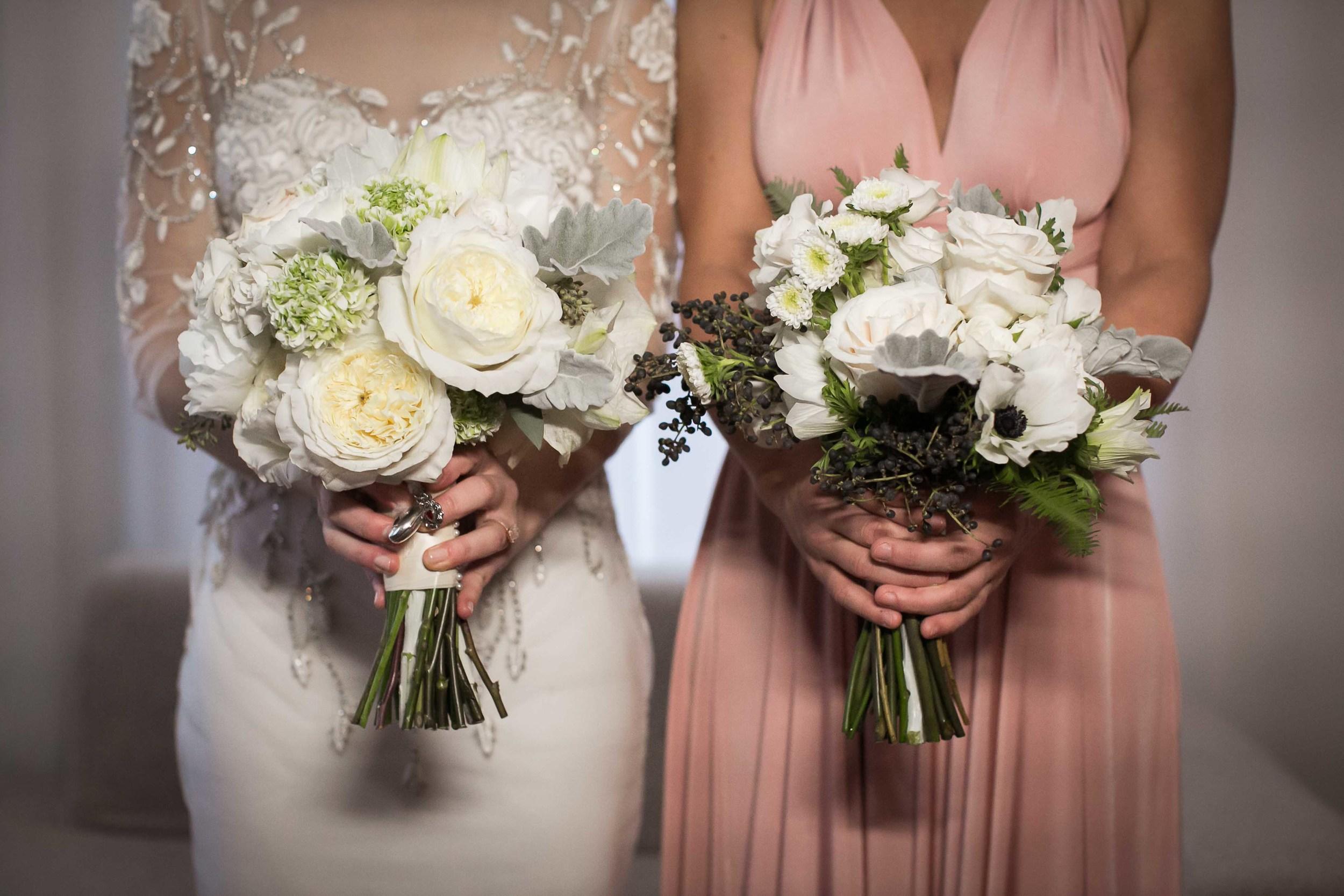 white-bridal-bouquet-garden-roses