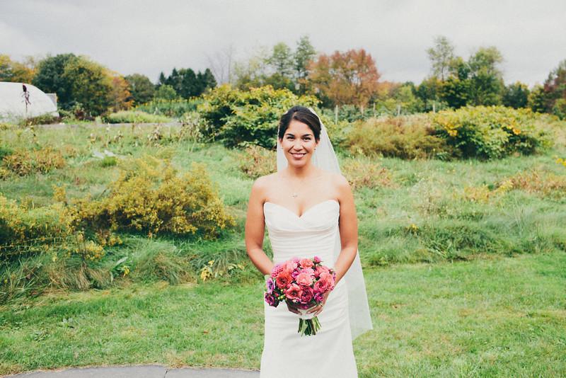 bride-magenta-pink-bridal-bouquet-dahlias