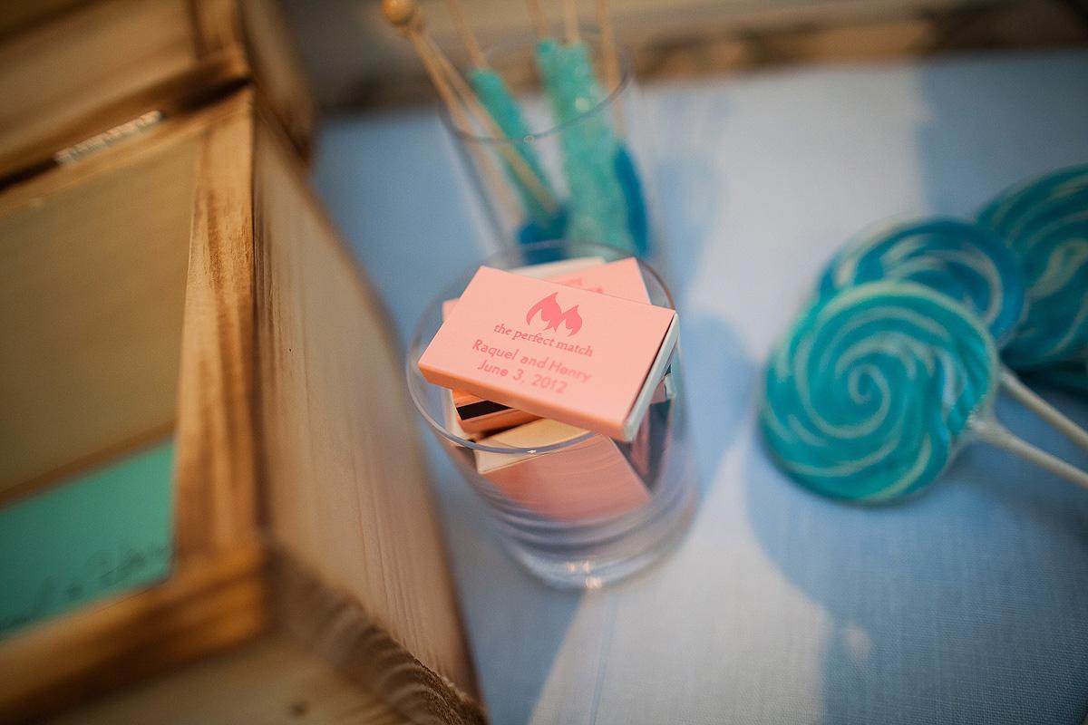 blue-lollipops-pink-matches