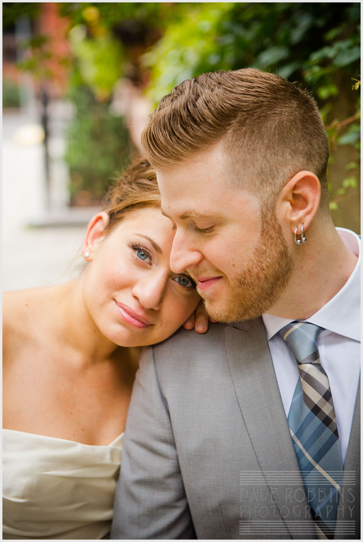 nyc-wedding-romantic-couple