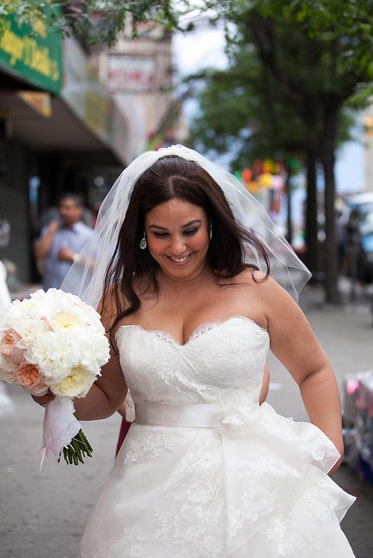 bride-nyc-street-walking-white-bouquet
