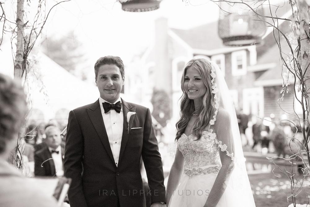 bride-groom-bw-chuppah-classic-wedding