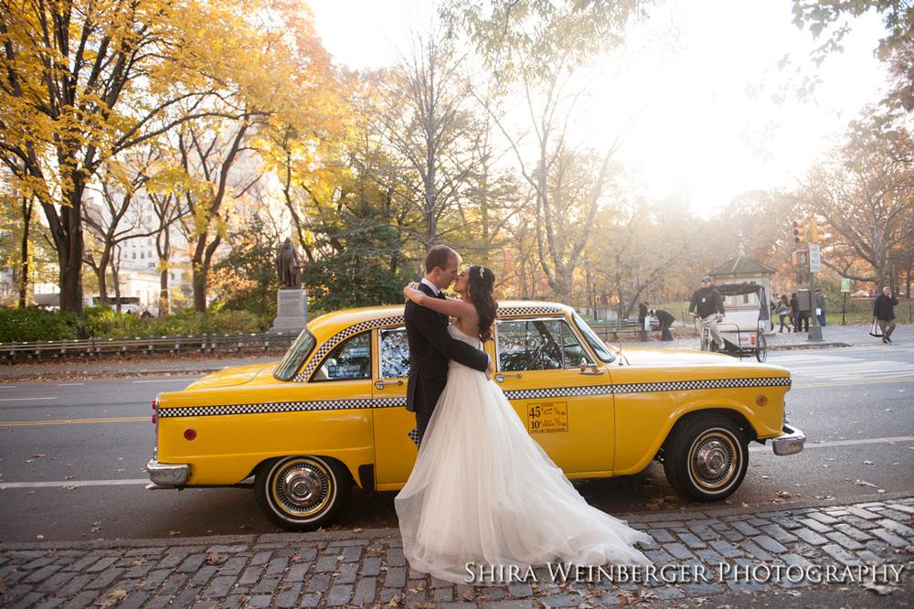 bride-groom-old-nyc-taxi