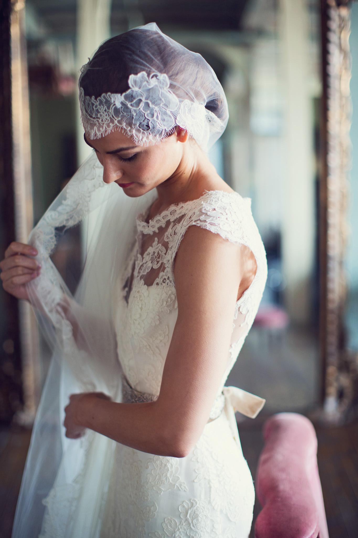 boho-bride-headpiece-lace-dress-veil