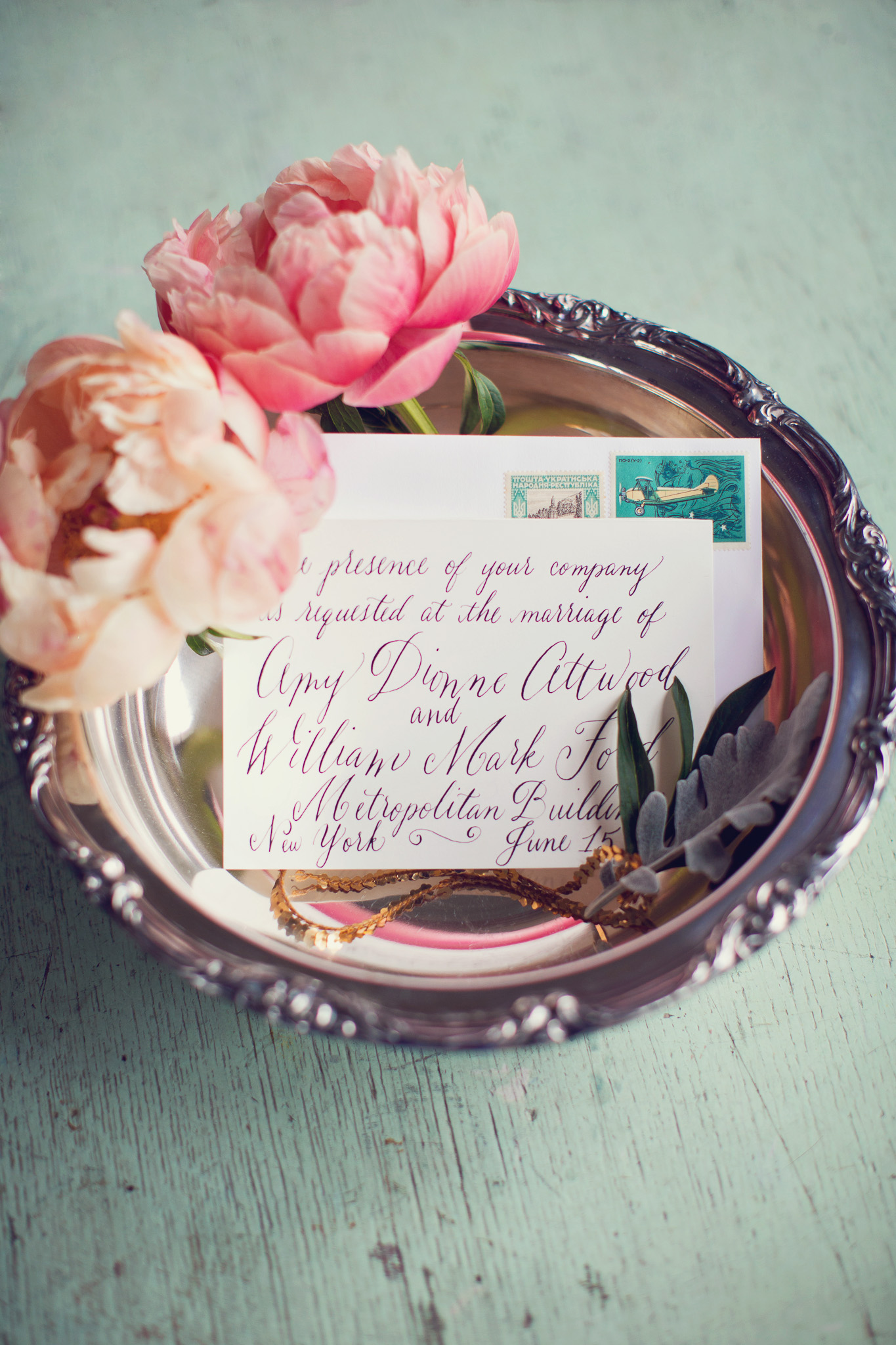 calligraphy-classic-wedding-invitation-silver-tray-peony