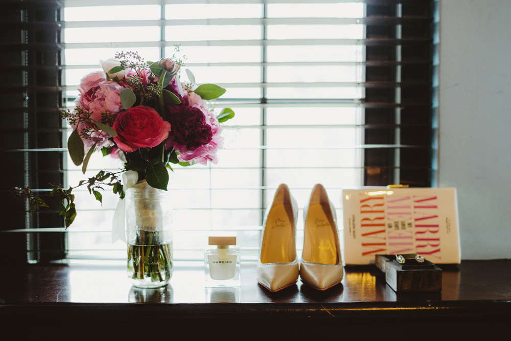 magenta-bouquet-wedding-shoes