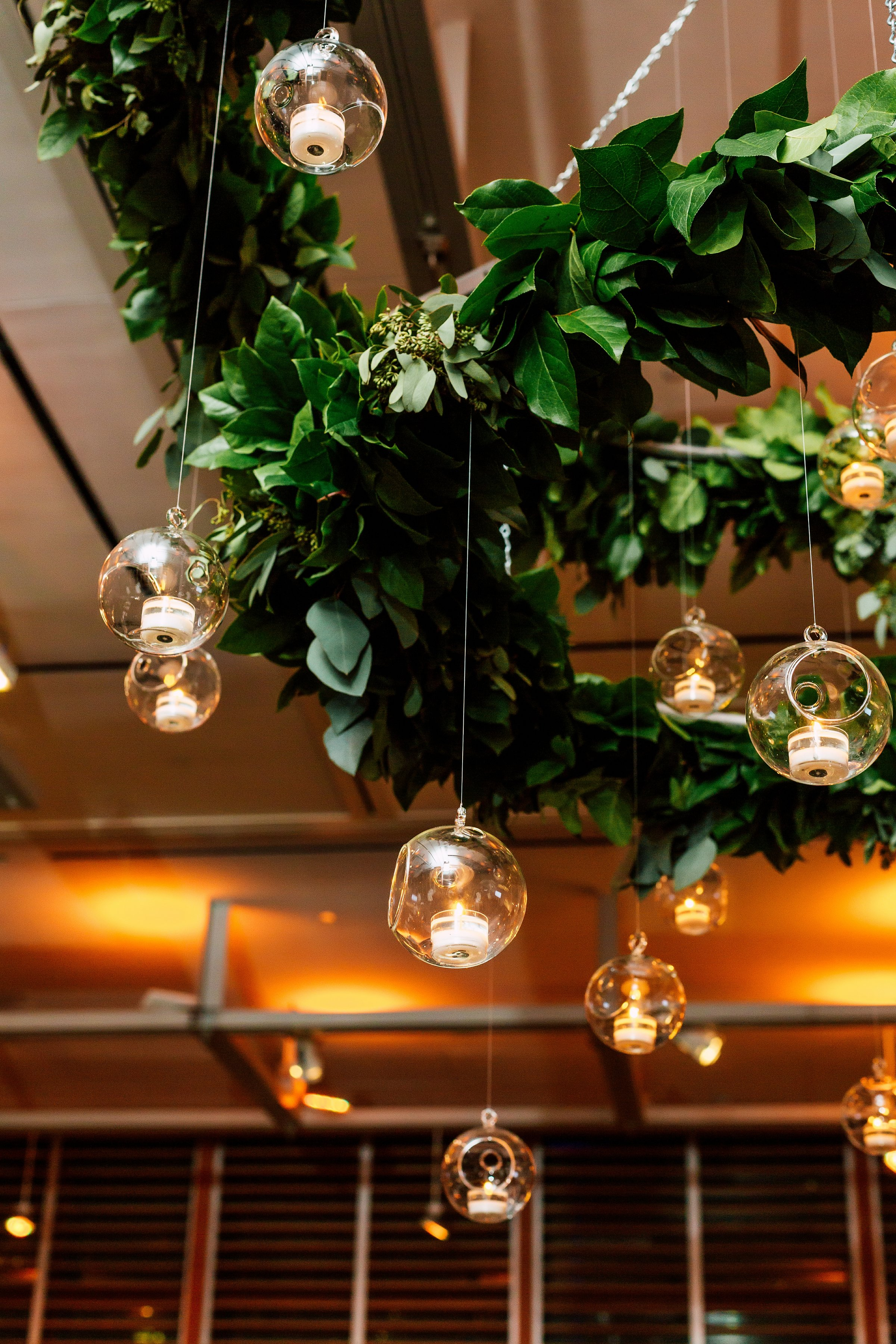 floral-chandelier-event-local-guides-hanging-candles