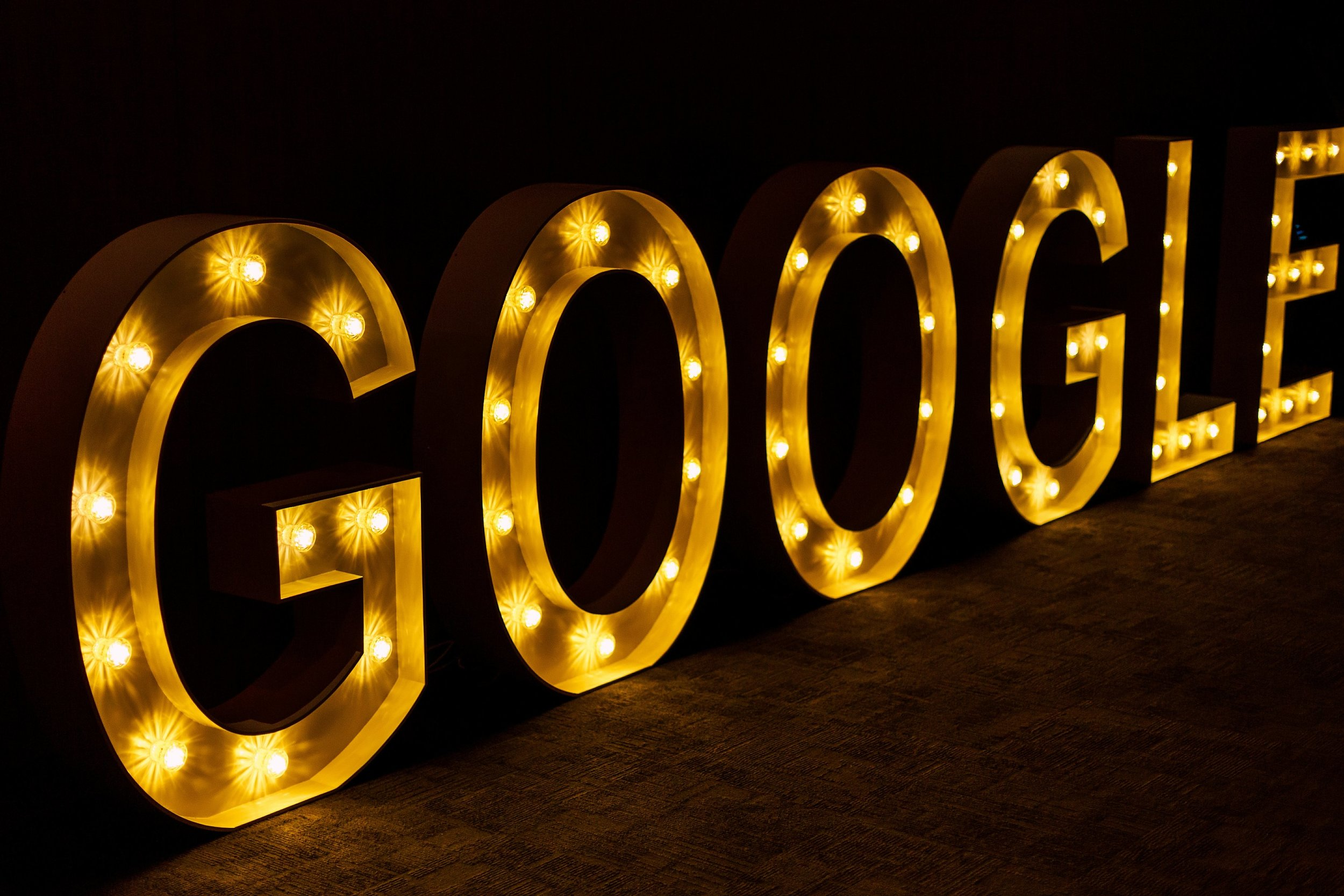 google-local-guides-event-letters-edison-bulbs