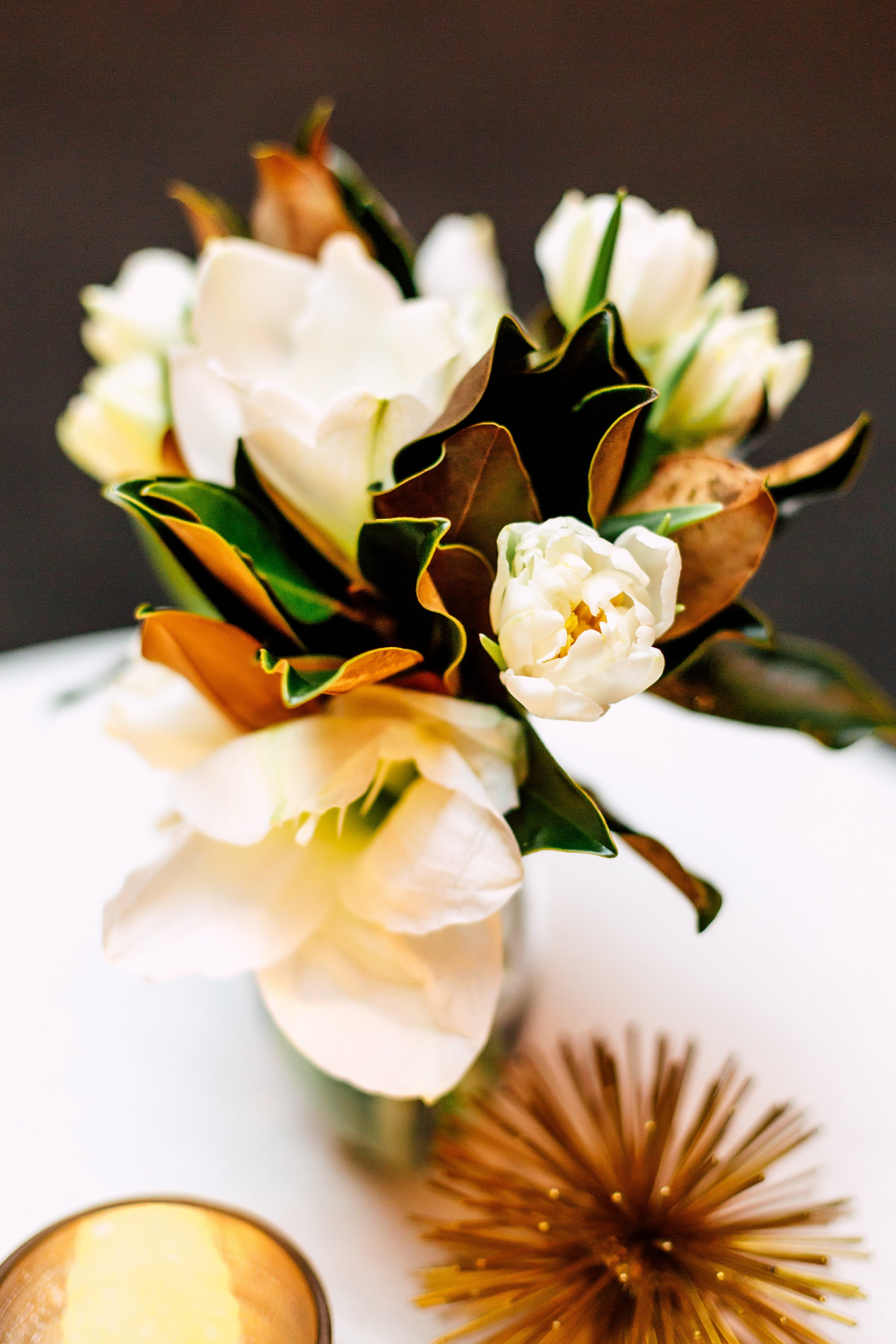 floral-arrangement-design-white-event